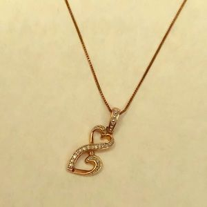 Jewelry - Beautiful rose gold heart necklace!!